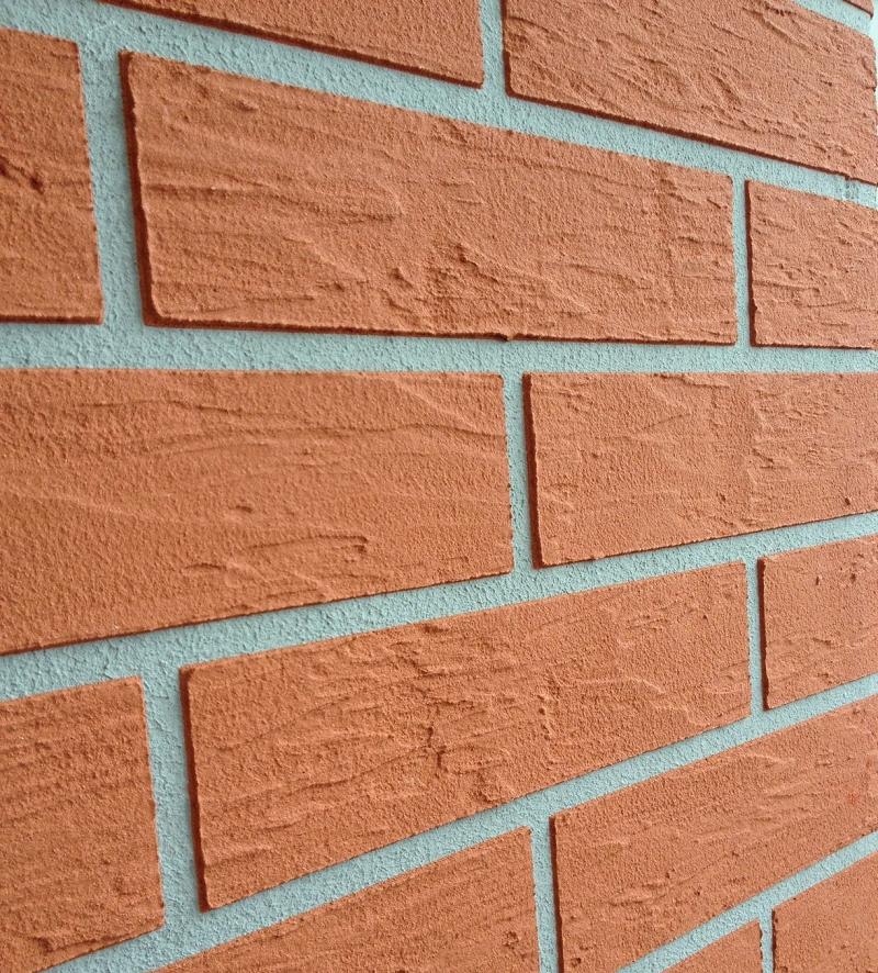 Wzór cegły przy wykorzystaniu tynków i szablonów marki ALPOL
