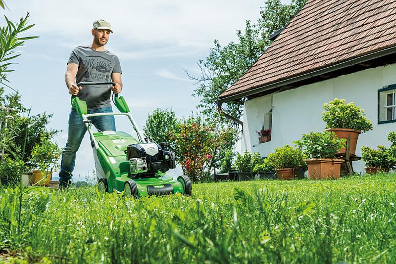 Pielęgnacja trawnika. Wybieramy kosiarkę do ogrodu