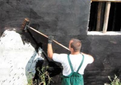 Hydroizolacja piwnicy. Czym zabezpieczyć ściany piwnic przed wodą?