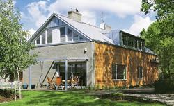 Jak kolor elewacji może poprawić proporcje domu? Poradnik