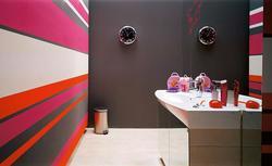 Malowanie ścian i sufitu. Jak wykonać równe odcięcia?