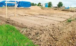 Budowa domu na gruncie nasypowym. Dom na skarpie usypanej z piasku i żwiru