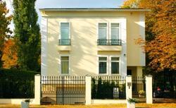 Metody ocieplania ścian a możliwości wykończenia elewacji domu
