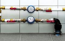Instalacja wodna i elektryczna w podzielonym domu. Jak się rozliczać za wodę i prąd?