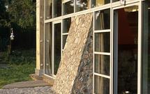 Drewno, kamień, a może zwykła farba fasadowa? Sprawdź sposoby wykończenia elewacji