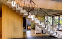 Balustrady wewnętrzne. Mocowanie balustrady do schodów żelbetowych