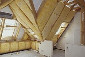 Ocieplanie dachu styropianem film